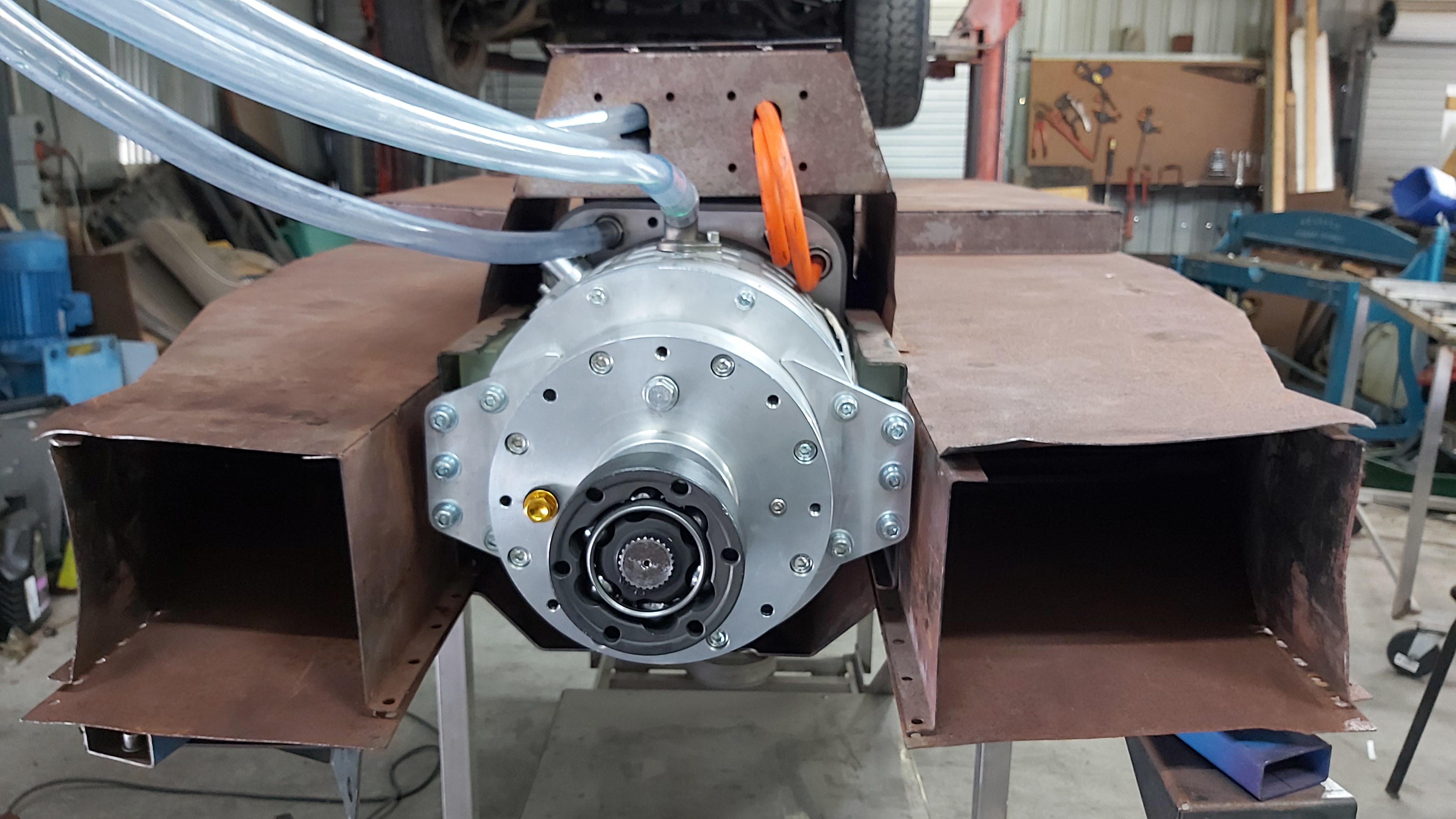 Front motor